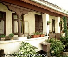 art historia: Case vechi cu pridvor din Bucuresti Romania Travel, Wooden Terrace, Bucharest, Home Fashion, Interior And Exterior, Countryside, Pergola, Outdoor Structures, House Design