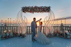 Танец по музыку любви Егора и Алены. Декор @nebodecor Фото @ahtem_useinov Организация @eventstudiopink