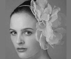 bandelete com flor acessorio cabelo noiva. #casamento #arco #flor