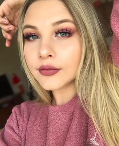 """1,894 Likes, 9 Comments - LUXY LASH (@luxylash) on Instagram: """"Beautiful ✨@bex_dewitte✨ wearing #LuxyLash """"HOMEGIRL"""" lashes! Love this soft & girly glam!…"""""""