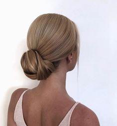hairstyles Bridal Hair Updo, Wedding Hair And Makeup, Hair Makeup, Bridesmaid Hair, Prom Hair, Classic Wedding Hair, Sleek Wedding Updo, Sleek Updo, Bride Hairstyles