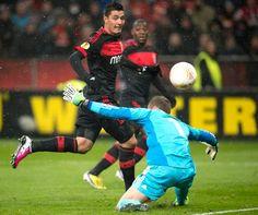 Golo Benfica em Leverkusen. Cardozo e Ola John