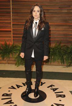 I f'ing love when women wear suits.