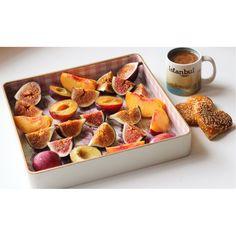 Turkish coffee and fruits