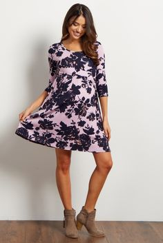 This beautiful and stunning floral maternity dress will have you looking and feeling amazing. The classic silhouette featured on this top will show off your growing baby bump through all the transitions of pregnancy. Style this dress with your favorite flats to get a complete look.