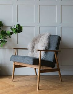 Mid century chair. H. Lis Fox Easy Chair Wool - four colours available 5
