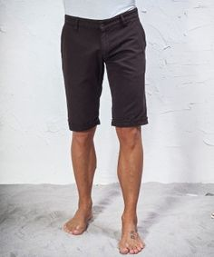 #45parallelo: brown mixed #linen #bermuda #shorts suitable for the hottest days, dyed for a worn effect, 80% Cotton and 20% Linen