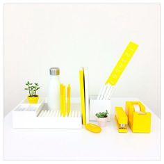 Yellow Is Chic Workhy