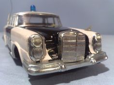 **** Tom's Toy World - TomaniaToys ****: Police Model Cars & Toys Ford Police, Police Cars, Mercedes Models, Ford Fairlane, Vintage Models, Car Ford, Antique Cars, Toys, Police