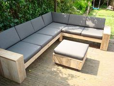 steigerhout tuinbank maken - Google zoeken Wooden Garden Benches, Outdoor Seating, Outdoor Decor, Outdoor Living, Diy And Crafts, Pergola, Deck, Gardens, Yard