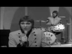 ▶ Gary Puckett & The Union Gap - Young Girl - HQ - YouTube