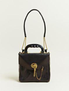 Muñoz Vrandecic, Barcelona, Handmade, leather, brass Baulito bag