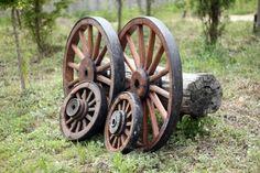 옛날 수레바퀴 4개
