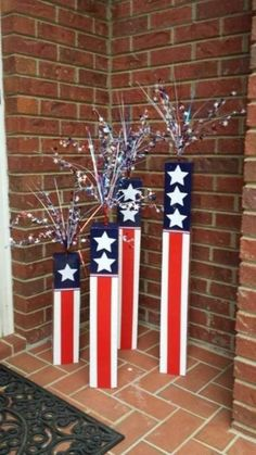 61 Fourth of July Decor Ideas For a Patriotic Party — AutoCukz Journal Patriotic Crafts, Patriotic Party, July Crafts, Summer Crafts, Holiday Crafts, Patriotic Wreath, Fourth Of July Decor, 4th Of July Decorations, 4th Of July Party