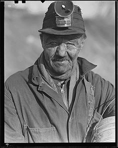 WPA: Unemployed Miner, West Virginia by Lewis Hine, March 1937 Contemporary Photographers, Famous Photographers, Black White Photos, Black And White, Lewis Hine, Coal Miners, Dust Bowl, Vintage Photographs, West Virginia