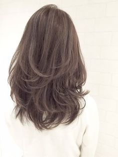 48 Ideas Haircut 2019 Thick Hair For 2019 Medium Hair Cuts, Medium Hair Styles, Curly Hair Styles, Hairstyles Haircuts, Pretty Hairstyles, Layered Hairstyles, Light Hair, Grunge Hair, Hair Looks