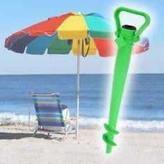 Have you seen this practical parasol holder? You can use this beach accessory to anchor your beach umbrella to the ground even if you don't have a parasol base. The lower end has the shape of a drill for easier installation.