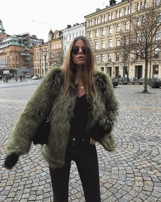 50 Pretty Winter Outfits You Can Wear on Repeat - Wass Sell Estilo Fashion, Look Fashion, Fashion Outfits, Womens Fashion, 90s Fashion, Jackets Fashion, Fashion Clothes, Fall Winter Outfits, Autumn Winter Fashion
