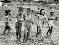 William Klein White Photography, Street Photography, Fashion Photography, Vintage Photographs, Vintage Photos, William Klein, Edward Steichen, Good Old Times, Robert Doisneau