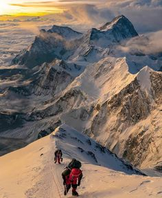 Sunrise from on Mount Everest.You can find Mount everest and more on our website.Sunrise from on Mount Everest. Trekking, Everest Mountain, Mountain Biking, Climbing Everest, Everest Base Camp Trek, Kayak, Machu Picchu, Top Of The World, Mountaineering