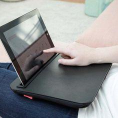 iBed von Kikkerland jetzt im design3000.de Shop kaufen! Verwenden Sie Ihr Tablet auch immer und überall? Dann wird's Zeit für diese bequeme...