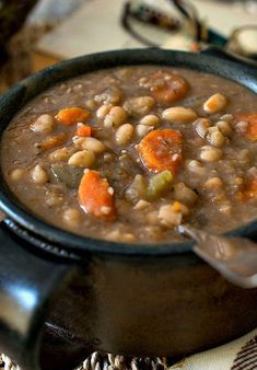 SLOW COOKER TUSCAN WHITE BEAN SOUP – QHRecipes