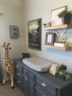 Dresser with changing pad