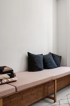 Vivienda nordica con influencias marroquies y piezas de mobiliario retro 1