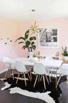 Nice Bright + airy sitting:dining room makeover (click through to see before and after!) The post Bright + airy sitting:dining room makeover (click through to see before and afte… appeared first on Derez Decor . Pink Dining Rooms, Sweet Home, Dining Room Lighting, Kitchen Lighting, Home And Deco, Dining Room Design, Simple House, Room Decor, Decor Ideas