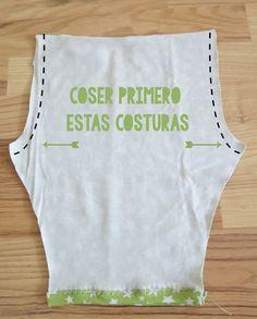 DIY: Cómo hacer leggings para bebés / Actitud y alegría. Baby Pants Pattern, Shirt Dress Pattern, Baby Dress Patterns, Sewing Patterns Girls, Clothing Patterns, Baby Leggings, Girls In Leggings, Baby Sewing Projects, Sewing For Kids
