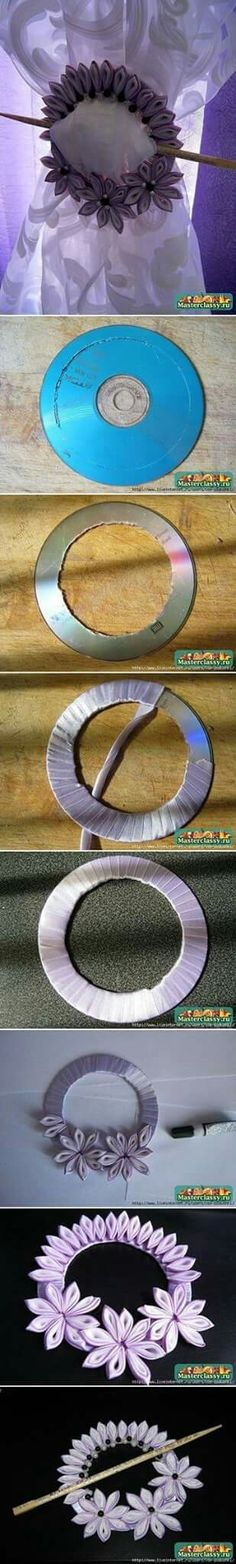 CD into curtain knot tutorial Más - Amazing Diy Crafts Cd Crafts, Hobbies And Crafts, Diy And Crafts, Arts And Crafts, Fabric Flowers, Paper Flowers, Ribbon Flower, Recycled Cds, Cd Diy