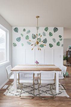 Step Inside a Hip Washington Home (With Major Style + Color) - The Everygirl wallpaper with big leaves on it, gold mid century modern chandelier, wood farm house dining table Home Design, Home Interior Design, Luxury Interior, Dinner Room, Dining Room Wall Decor, Dining Room Inspiration, Design Inspiration, Home Living, Living Spaces