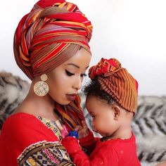 The headwrap originated in sub-Saharan Africa and serves similar functions for both African and African American women. In style, the African American woman's headwrap exhibits the features of sub-Saharan aesthetics and worldview African Beauty, African Women, African Fashion, African Style, Hair Wrap Scarf, Head Wrap Headband, Mode Turban, African Head Wraps, Moda Boho