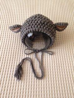 羊をイメージしたボンネットです。頭囲 52 cm Max(伸縮性あり) 顔の長さ(頭の頂点から顎下までの長さ)17 cm Max ※6ヶ月から使用可能な大きさ...|ハンドメイド、手作り、手仕事品の通販・販売・購入ならCreema。