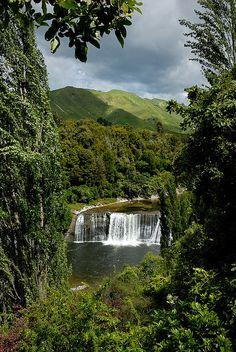 Travel Inspiration for New Zealand - Raukawa Falls, Wanganui, Manawatu-Wanganui, North Island, New Zealand New Zealand North, New Zealand Travel, Kiwiana, Australia, South Island, Places To See, Beautiful Places, Scenery, Landscape