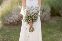 Entdecken Sie wilde Brautsträusse 2017! Florale Hingucker, die alle Bräute verzaubern Image: 19