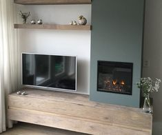 Electric fireplace from Classicflame 23 inch - Electric fireplace from Classicflame 23 inch - Living Room Built Ins, Living Room Wall Units, Stairs In Living Room, Living Room With Fireplace, Home Living Room, Interior Design Living Room, Living Room Designs, Living Room Decor, Cottage Fireplace