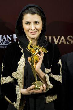 Leila Hatami, Actress Iranian Film, Iranian Actors, Iranian Women, Persian People, Persian Girls, Iranian Beauty, Beautiful People, Beautiful Women, Persian Culture