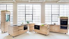 Someday...  kitchen on wheeeeels!   Foodlab by Studio Rygalik for Siemens
