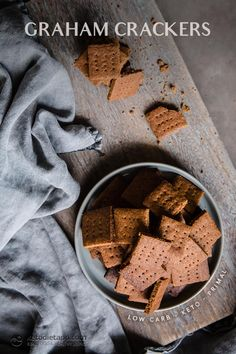 Homemade Low-Carb Graham Crackers These crunchy homemade graham crackers taste amazing and make the perfect base for a keto cheesecake. They are low in carbs, sugar-free and healthier than store bought! Keto Friendly Desserts, Low Carb Desserts, Low Carb Recipes, Real Food Recipes, Primal Recipes, Cookie Recipes, Snack Recipes, Graham Cracker Recipes, Homemade Graham Crackers