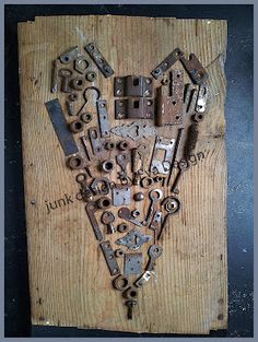 Große Gartenkunst muss jetzt meinen Werkzeugkasten durchgehen und alle alten r… Great garden art now has to go through my toolbox and find all the old rusty parts! Metal Tree Wall Art, Scrap Metal Art, Metal Artwork, Key To My Heart, Heart Art, Old Keys, Metal Garden Art, Keys Art, Junk Art