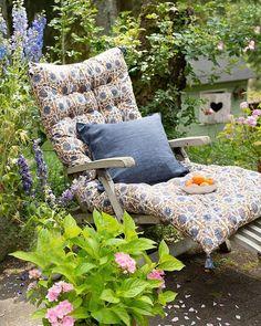 Herb Garden, Garden Beds, Grandmas Garden, Rock Garden Design, Bungalow, Backyard, Patio, Outdoor Furniture, Outdoor Decor
