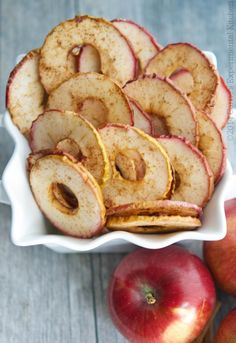 These Cinnamon Apple Chips, made with a few simple ingredients, are a healthy snack your whole family will love. These Cinnamon Apple Chips, made with a few simple ingredients, are a healthy snack your whole family will love. Cinnamon Apple Chips, Baked Apple Chips, Cinnamon Recipes, Recipe For Apple Chips, Apples With Cinnamon, Dehydrated Food Recipes, Baked Apple Slices, Pancakes Cinnamon, Healthy Snacks