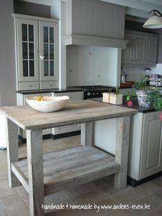 Werktafel in oud steigerhout.  Gemaakt door www.anders-leven.be