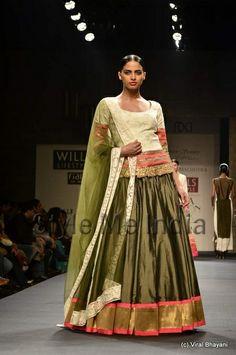 wills india fashion week collection 2013 by  manish malhotra