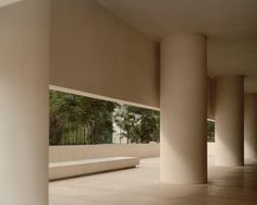 Museo Jumex by David Chipperfield Architects and photographed by Rory Gardiner City Architecture, Amazing Architecture, Monumental Architecture, Minimalist Architecture, David Chipperfield Architects, Architectural Photographers, Mexico City, Modern House Design, Green Building