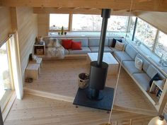 Eide, Skailand, Sirdal, Hytte, Hoem + Folstad Arkitekter, Hoem, Folstad, Bilde 5 Small Space Interior Design, Modern Home Interior Design, Interior Architecture, Ideas Cabaña, Summer Cabins, Tiny Living Rooms, Built In Seating, Cabin Interiors, Cabins And Cottages