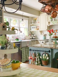 38 Admirable Summer Kitchen Decor Ideas - During summer time, there's nothing better than a bright cheery kitchen that lets the outside in. A few little changes can make your kitchen light and. Cute Kitchen, Summer Kitchen, Kitchen Dining, Kitchen Ideas, Kitchen Cabinets, Happy Kitchen, Kitchen Black, Kitchen Decor Themes, Kitchen Chairs