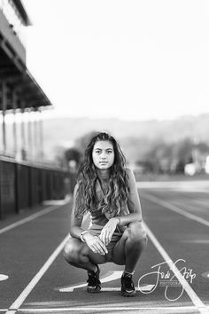 Maddie | Jodi Stilp Photography, LLC., track and field, senior portraits,