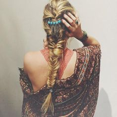 Learn how to do a fishtail braid–from high ponytails to side plaits–we've got the guide to all of the cutest ways. Fishtail Braid Styles, Braided Hairstyles, Cool Hairstyles, Hairstyle Ideas, Natural Hair Styles, Long Hair Styles, High Ponytails, Mannequins, Hair Dos